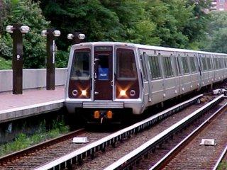 Metro train at Arlington Cemetery