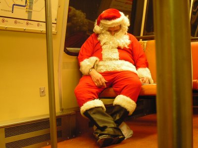 Santa Claus rides Metro (photo by Tristan Cunningham)