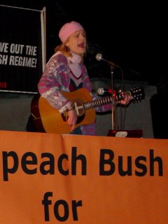 Midge Potts sang and played the guitar.