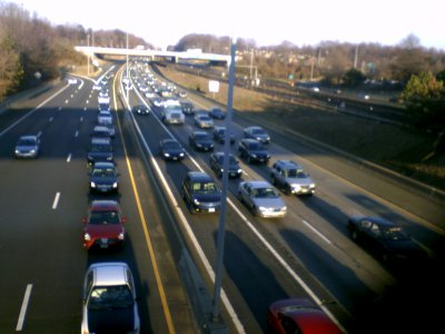 Traffic on I-66 at Nutley Street