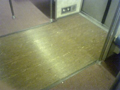 Door zone flooring on Rohr 1062