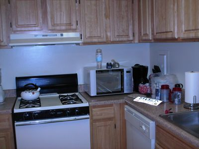 Test photo, showing the stove and the microwave in my kitchen