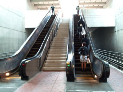 Dunn Loring's escalator configuration