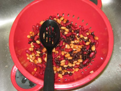 Beans in the colander after rinsing.
