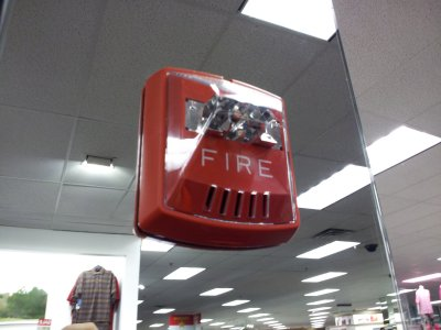 And Kohl's in Germantown has Wheelock Exceder fire alarms. #firealarms http://twitpic.com/b1r8hm