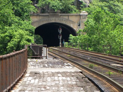 The tracks and tunnel as viewed from the westbound (towards Martinsburg) platform.