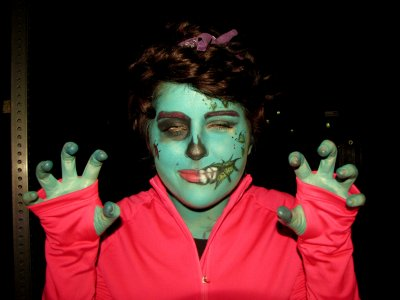 I loved the body paint on this green zombie, how she did her hands and everything.  She made one guilty admission: she didn't do the back of her neck, and therefore had to hide it with her hair and the top of her hoodie.