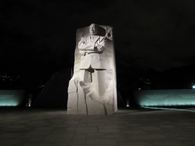 Even though it was clear by now that the tripod was done, I still got a few decent photos, like this one of the MLK Memorial.