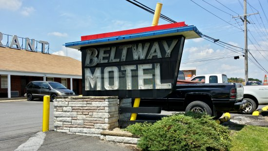 Beltway Motel road sign