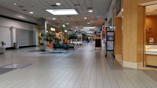 Staunton Mall, from center court facing south towards JCPenney, January 2014