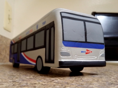 Toy 7091, photographed in my kitchen at a similar angle to how I would photograph a real bus.