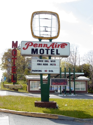 Vintage sign for the Penn Aire Motel.