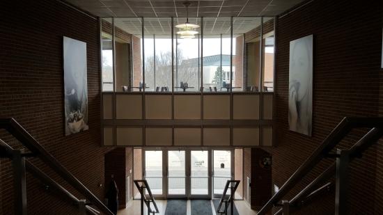 The door 4/5 vestibule.