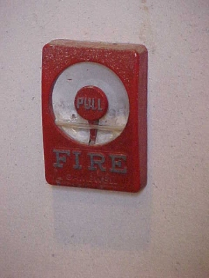 Lincoln Memorial fire alarm pull station