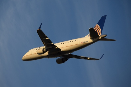 N858RW, an Embraer 170SE operated by Shuttle America for United Express.