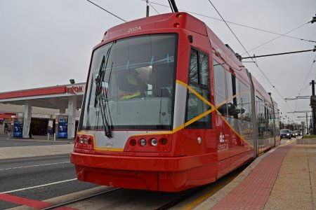 Streetcar at the eastern terminus, at Oklahoma Avenue.