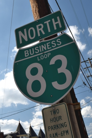 "Interstate 83 business loop shield, with ""LOOP"" text"