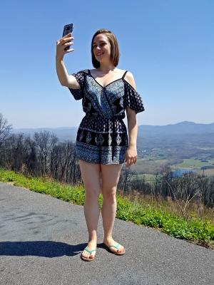 Melissa gets her selfie
