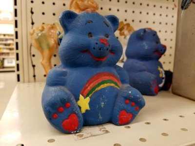 This bear seems like a cross between Cheer Bear and Wish Bear.