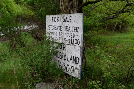 Roadside signage for the trailer