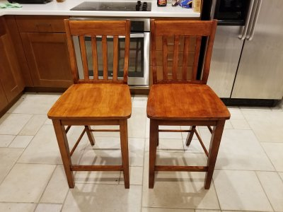 The two chairs, completed. The first chair is on the left, the second chair is on the right.
