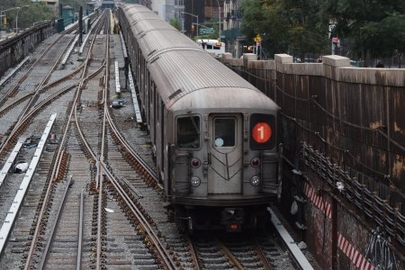 1 train going downtown.