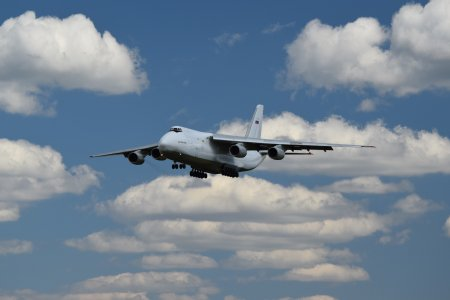 The Antonov An-124 comes in for a landing at BWI, viewed from the Thomas A. Dixon, Jr. Aircraft Observation Area.