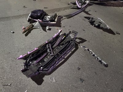 Close-up of the debris from the Hyundai.