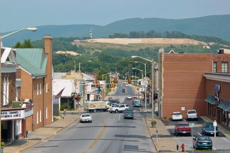 My photo from 2004 of downtown Waynesboro