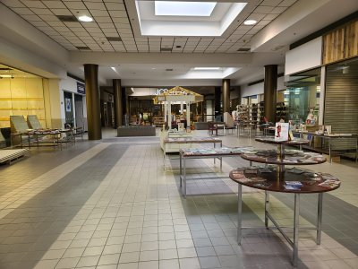 The south end of the mall, facing the former JCPenney store.  This entire section of the mall was occupied by a bookstore that also occupied three store spaces in this immediate area.