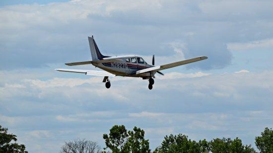 N2927Q, about to land at GAI