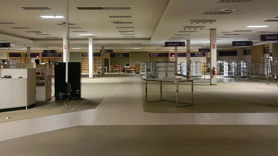 The right side of Gordmans after they vacated