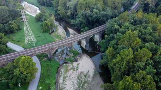 The viaduct itself.