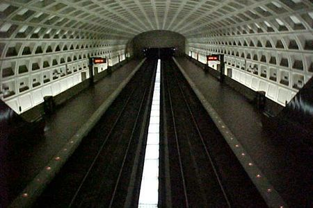 Virginia Square-GMU station, viewed from the mezzanine.