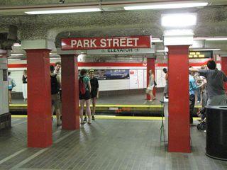 Red Line platforms at Park Street.