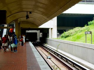 At the other end of the platform, the tracks go back into a tunnel again on their way to West Hyattsville.