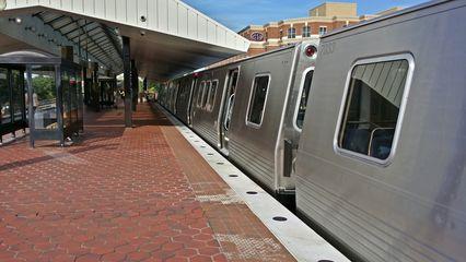 7000-Series train at King Street.