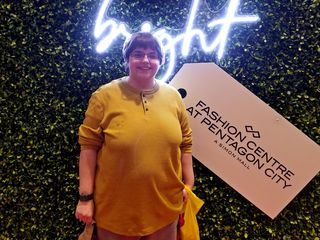 On January 2, Elyse and I headed into the city so that I could get a medical exam prior to my returning to work following weight loss surgery the month prior. While we were out, we also went to Pentagon City Mall, where Elyse visited the Lego store.