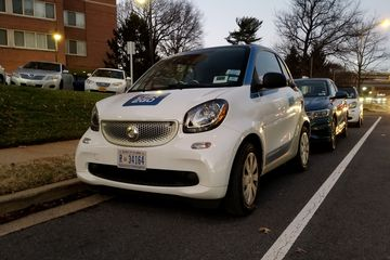 On January 8, Elyse and I took this Smart car for a spin around Arlington and Alexandria.