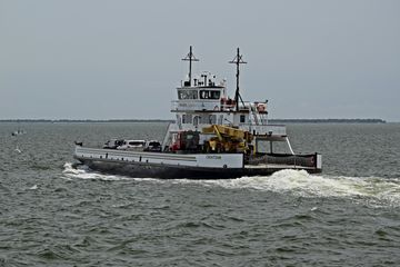 TheCroatoan, a River-class ferry.