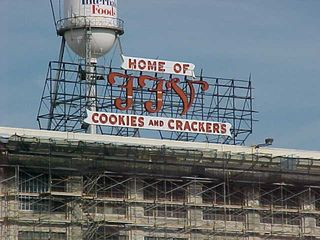 Next to the Science Museum, we find a cracker factory!  I wondered where the sweet baked smell was coming from when I got out of the car...