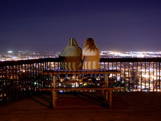 An alternate shot of the couple at the overlook...