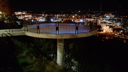 The observation platform, formally the Thomas J. Gallagher Overlook, named for a former mayor. This was the westmost of three similar platforms along Grandview Avenue.