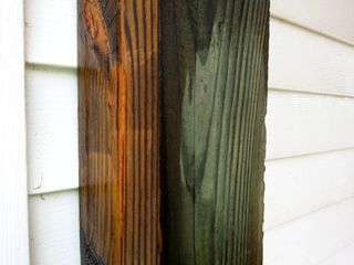 One side of the column is washed, while the other is still dirty. Note the difference in color.
