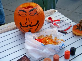 With the face drawn, the carving could begin!