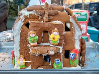 """And what goes well with Christmas? Gingerbread houses! This was our gingerbread Scientology Org, or as we called it, the """"Fail Org""""."""