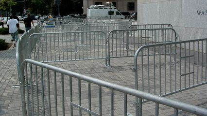 As you can see, there were quite a bit of people outside when I swung by in mid-afternoon, but based on the arrangement of the barricades, I'd say that it was far worse earlier in the day.