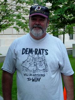 On August 28, this gentleman visiting Washington DC was wearing a rather amusing shirt...
