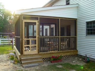 The porch is really nice looking now that it's all finished. Now all that's left to complete is the landscaping.