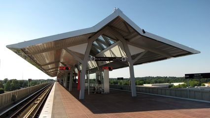Platform canopy at Spring Hill. Like at McLean, Spring Hill's canopy reminds me of the canopies at Braddock Road and King Street stations.